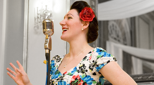 Join us for our Mother's Day Lunch with Lizzy Rushby Performing